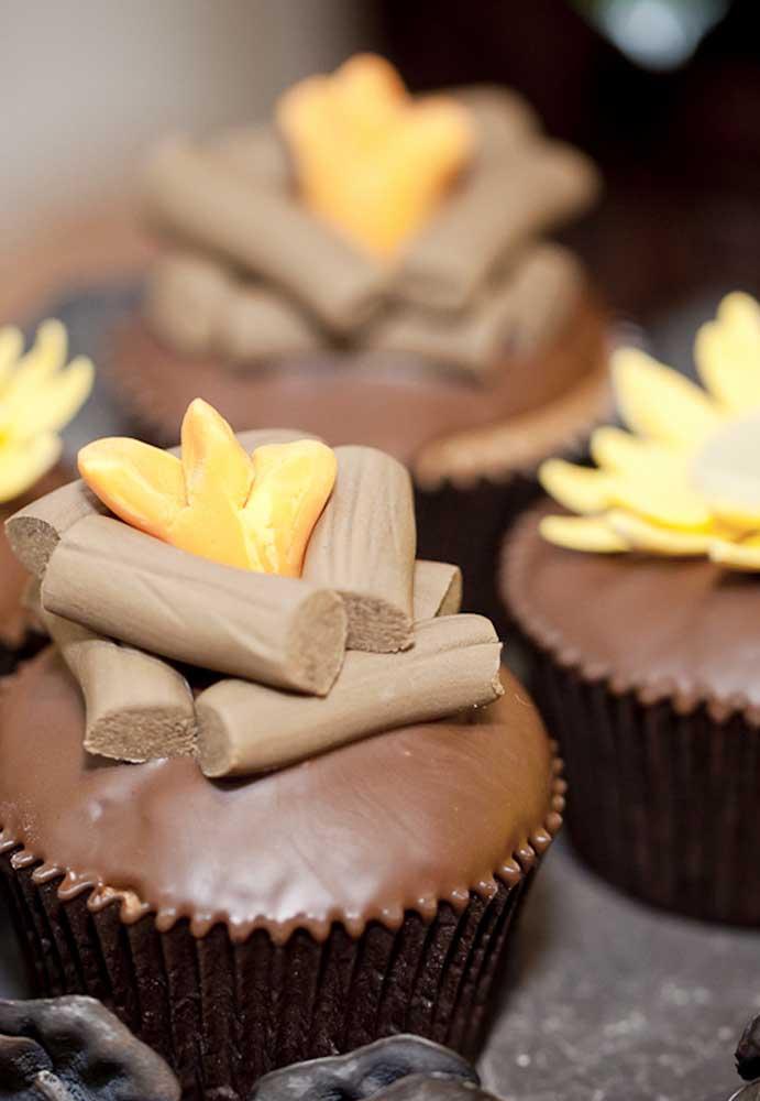 Olha que decoração mais deliciosa para colocar no topo do cupcake.