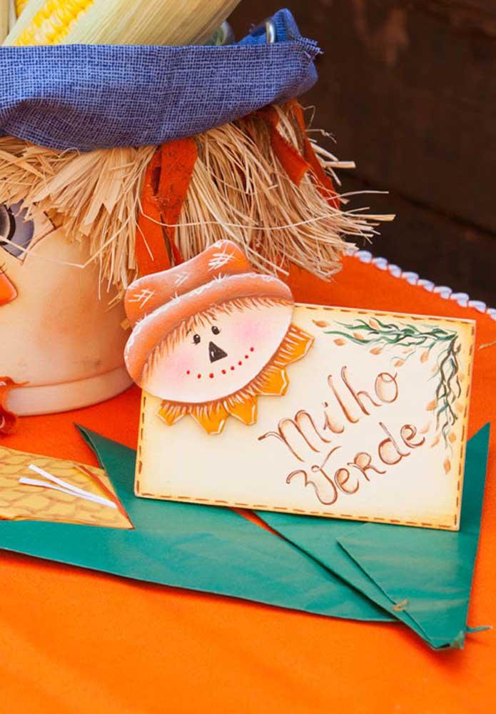 Faça plaquinhas festa junina para identificar as comidas do evento.