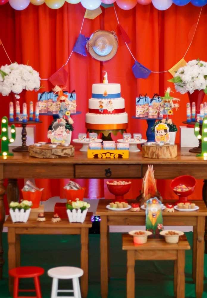 Que tal se inspirar no casalsinho caipira para fazer a decoração de festa junina infantil?