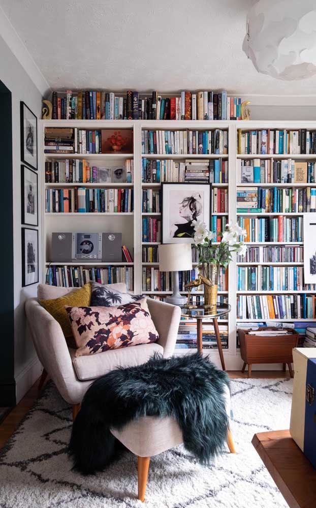 Livros e quadros: permita que esse espaço seja um difusor de arte e cultura