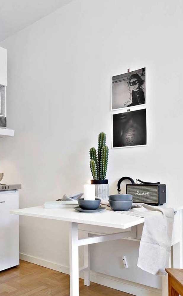 Mesa pequena retrátil de parede: a salvação das cozinhas pequenas de apartamento