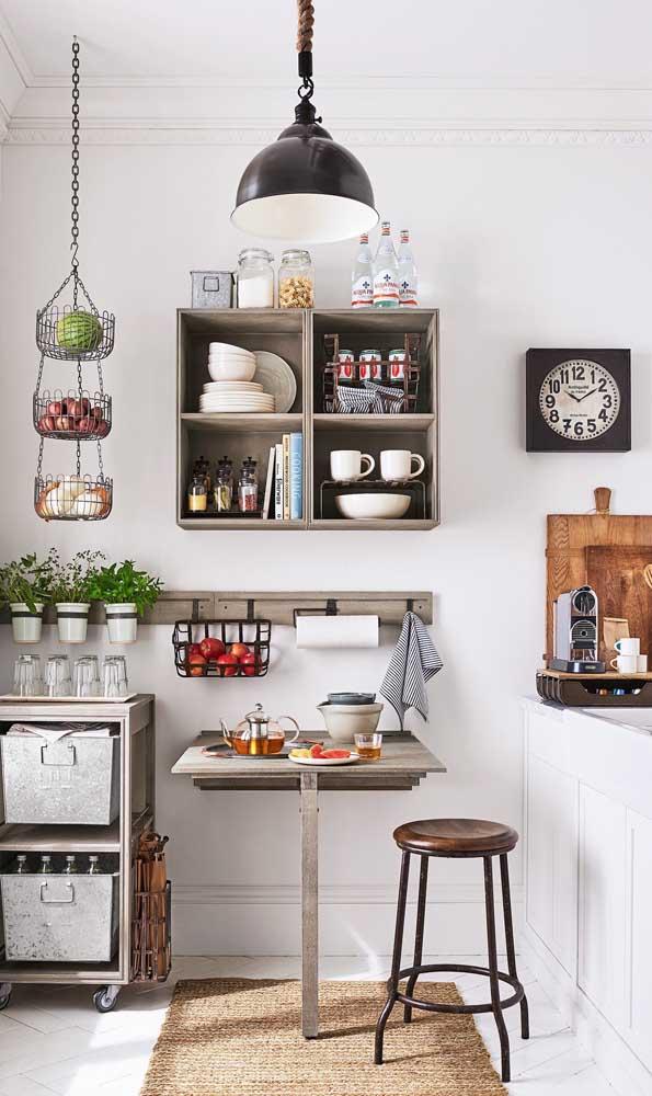 Beleza, simplicidade e funcionalidade nessa pequena mesa de cozinha