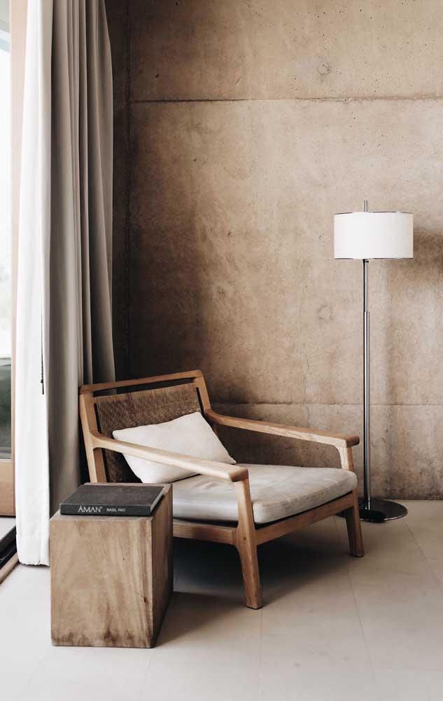 Moderna e elegante a composição entre marfim, marrom, branco e madeira