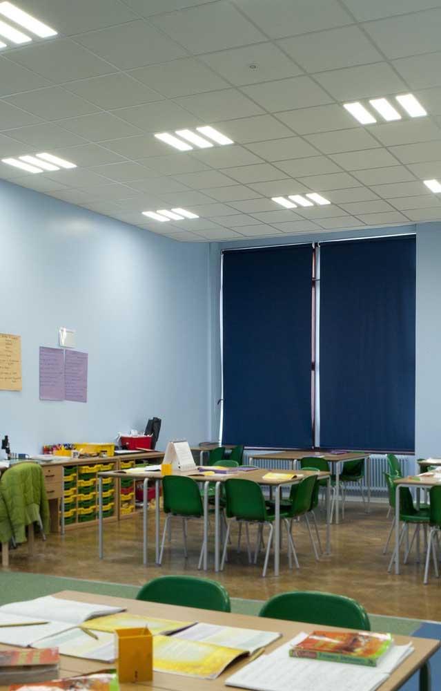 A cortina balckout entra na decoração da sala de aula, mas também se revela um item indispensável para o conforto do ambiente
