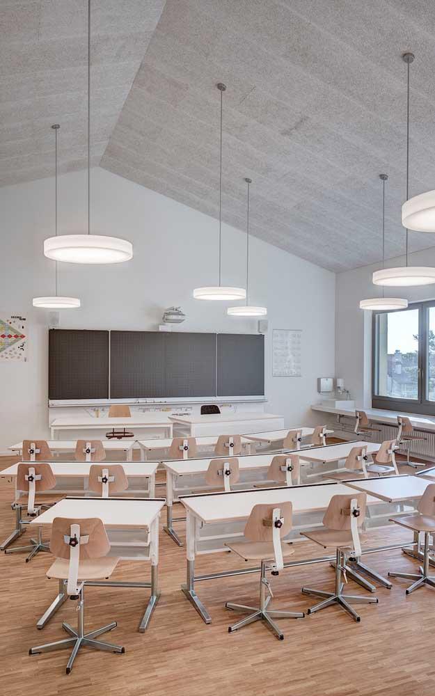 Luminárias modernas e diferenciadas para decorar e iluminar a sala de aula