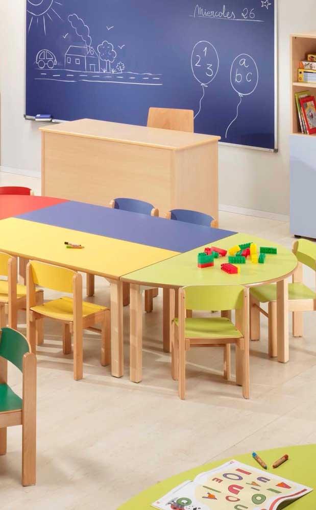 Cores por todos os lados para deixar a sala de aula mais convidativa