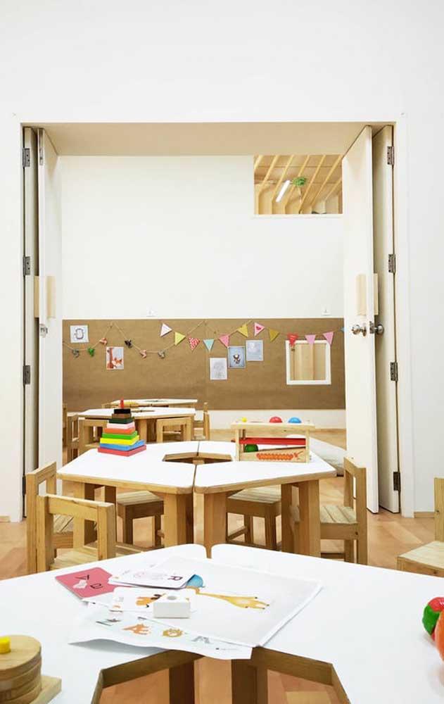 Estimular a troca e o contato entre os alunos faz parte do projeto de decoração da sala de aula