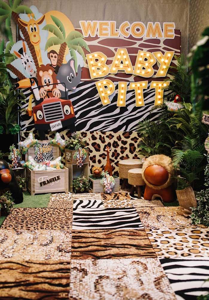 Quer fazer uma festa safári baby? Saiba que é possível se você reunir os elementos decorativos certos.