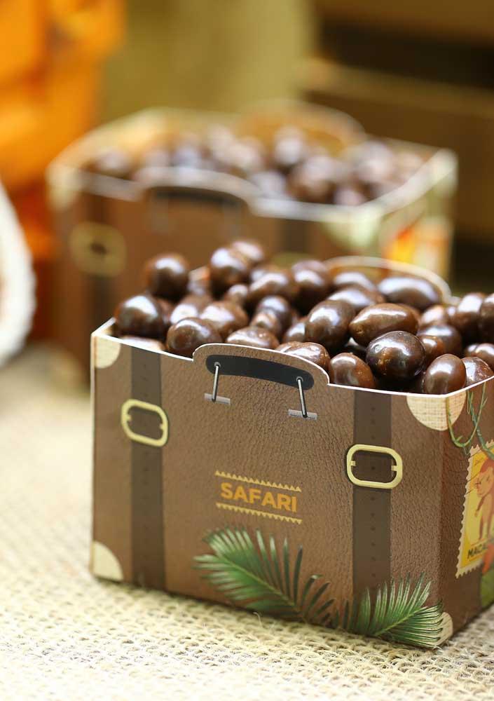 Olha que caixinha perfeita para encher de bolinhas de chocolate.
