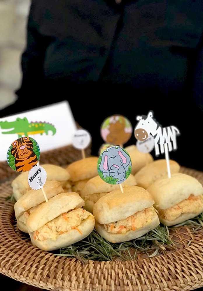 Os sanduíches recheados são perfeitos para as festas infantis.
