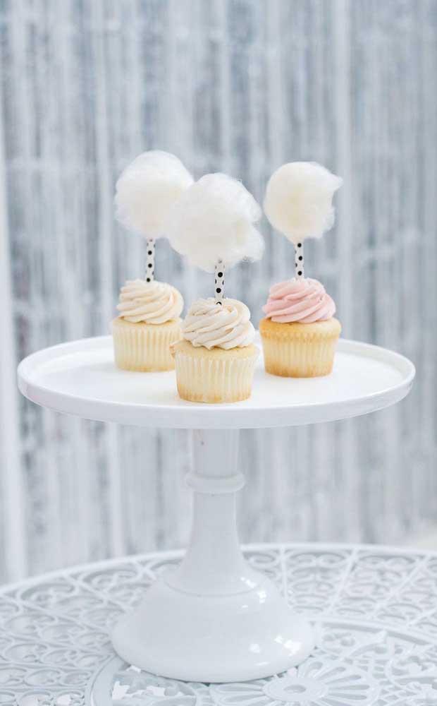 Cupcakes com algodão doce: um mimo para a festa de Bodas de Algodão