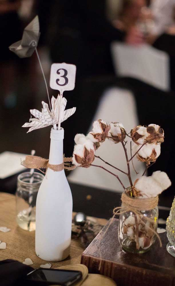 Uma forma diferente de marcar as mesas na festa de Bodas de Algodão