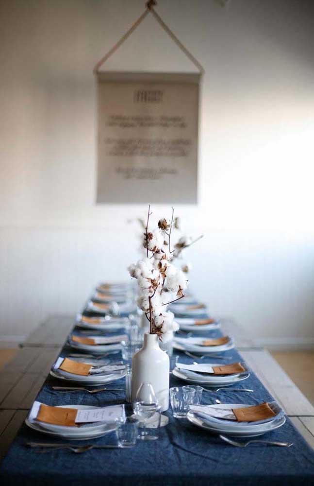 Decoração simples e elegante para o almoço de Bodas de Algodão