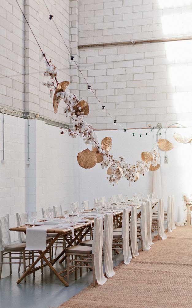 Uma decoração rústica e em tons suaves é uma das melhores pedidas para a festa de Bodas de Algodão