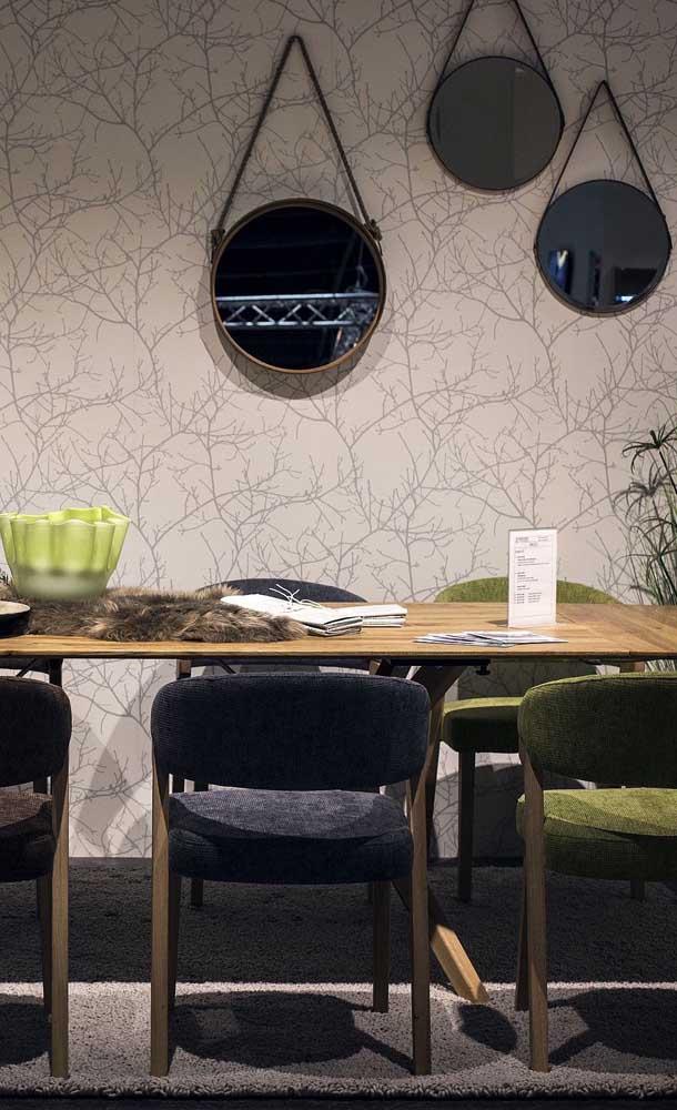 Os queridinhos espelhos Adnet também podem ser usados na sala de jantar