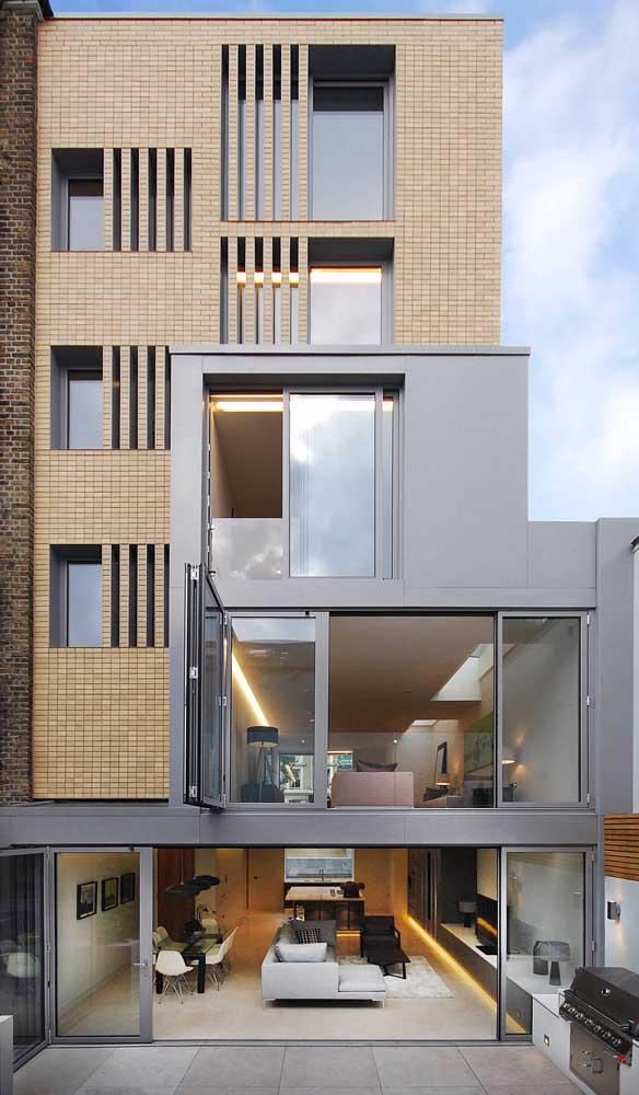 As esquadrias de alumínio permitem a padronização da fachada