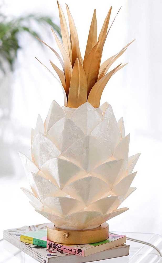 Que inspiração incrível! O abacaxi feito em Kusudama ficou lindo e super conceitual, perfeito para salas de estar elegantes e contemporâneas