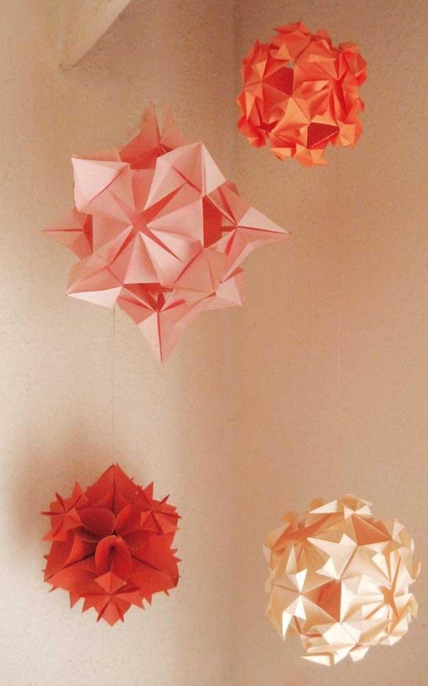 Modelos de Kusudama gigantes, perfeitos para decoração de festas e ambientes mais amplos