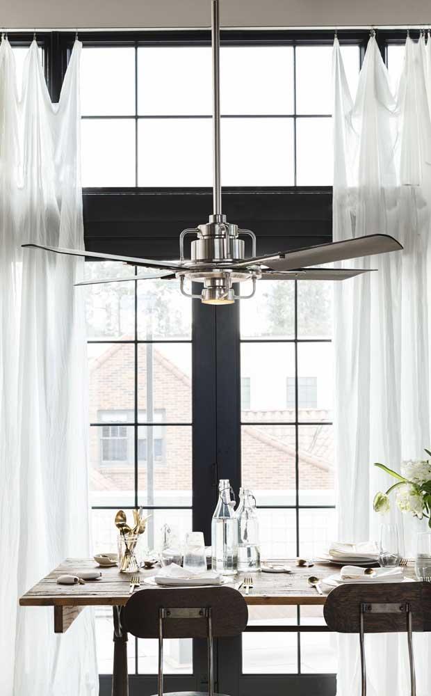 Ventilador de teto em aço escovado, não é maravilhoso?