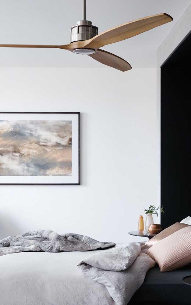 Ventilador de teto em aço e madeira: uma bela e moderna combinação!