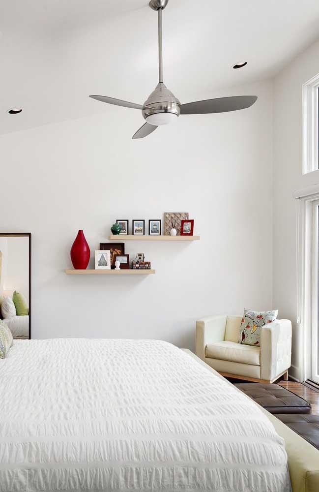 Ventilador de teto pequeno para o quarto do casal