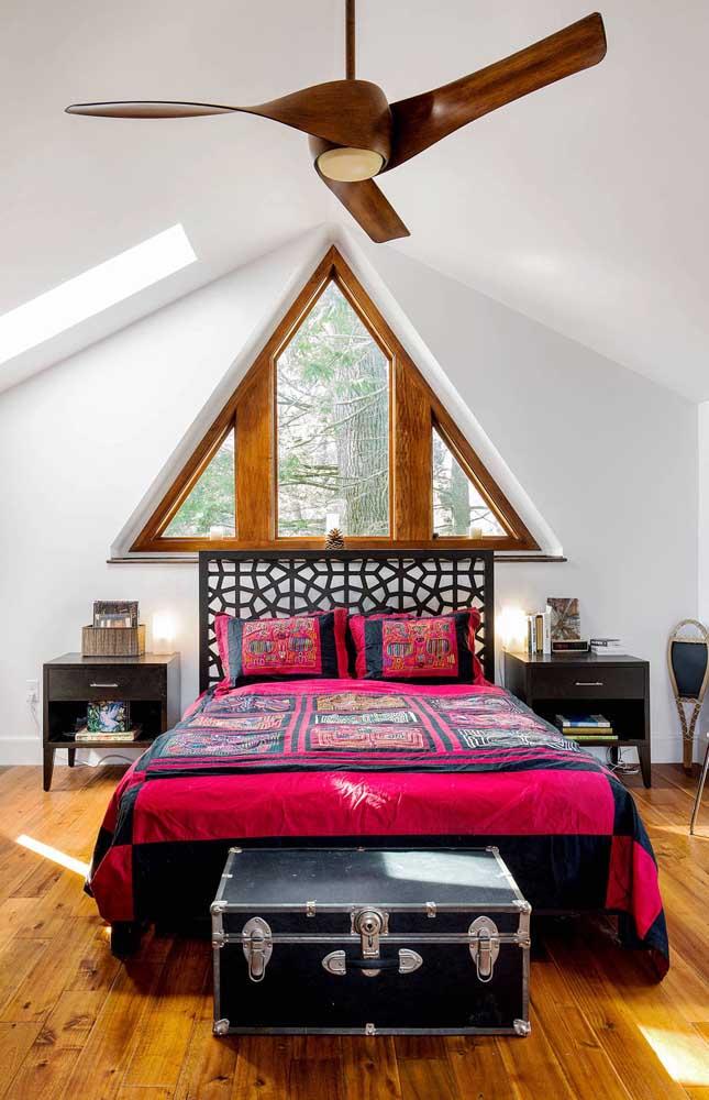 Ventilador de teto em madeira para o quarto do casal