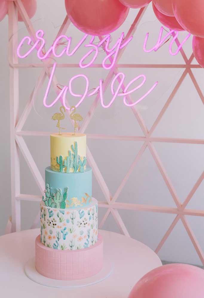 Pode ser também uma ótima escolha para colocar no painel por trás do bolo do aniversariante.