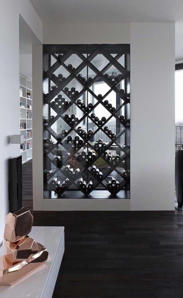 Que tal uma adega de parede para dividir os ambientes da casa? Isso que é unir funcionalidade com decoração