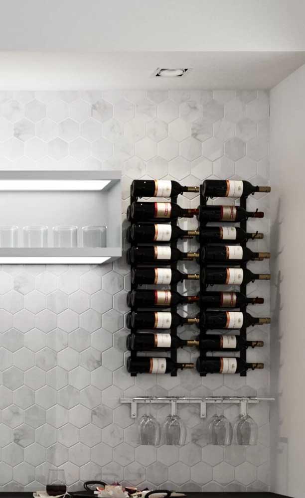 Adega de parede para cozinha; uma das melhores opções de adega para espaços pequenos