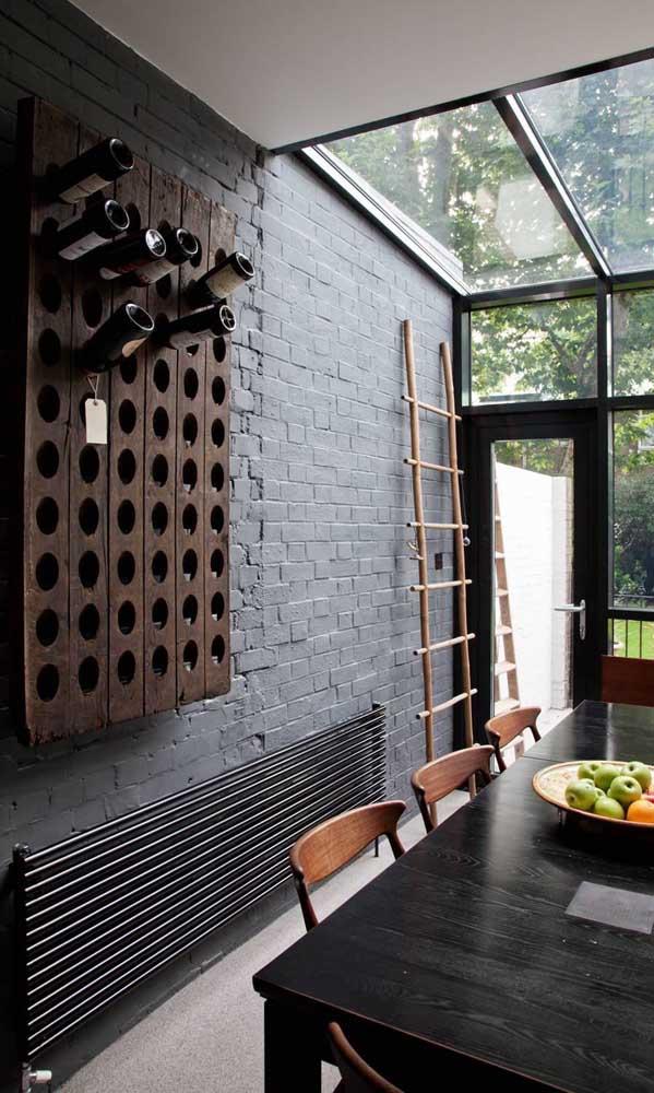 Adega de parede rústica para o espaço gourmet da casa