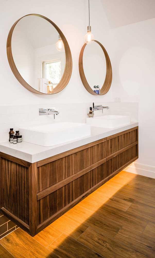 Modelo de espelho redondo com moldura estilo nicho