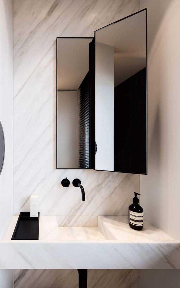 Um toque moderno para as tradicionais espelheiras, começando pela moldura fina e simples
