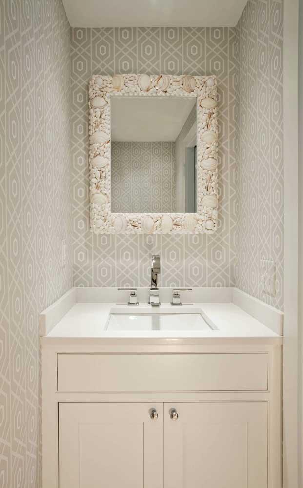 Que linda sugestão de moldura para espelho feita com conchas do mar