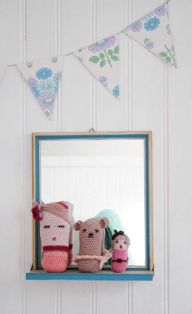 Moldura para espelho com prateleira: ideal para quem deseja unir beleza com funcionalidade