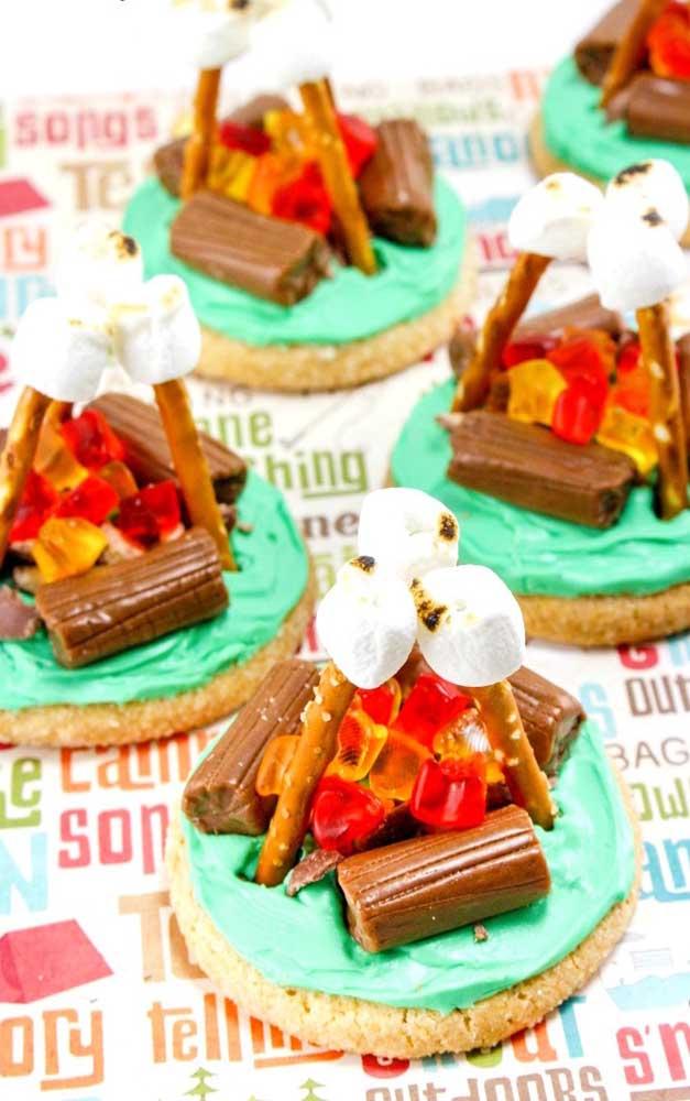 Essa ideia aqui é para copiar sem medo de ser feliz: fogueira de doces!