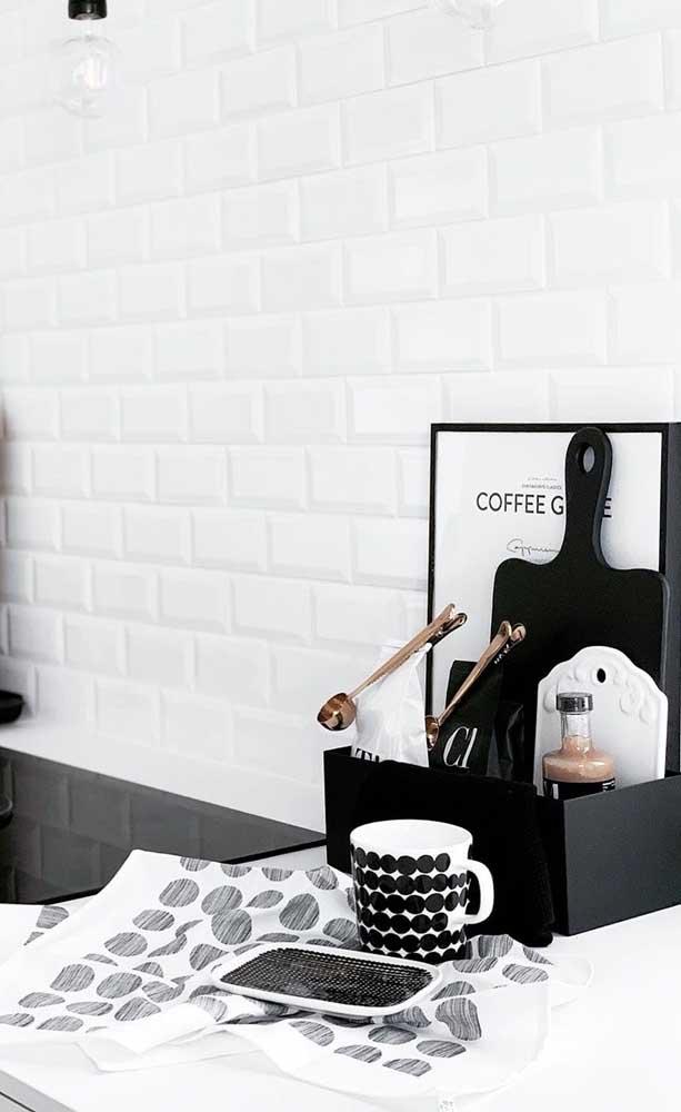 Que tal uma versão moderna e minimalista para cantinho do café?