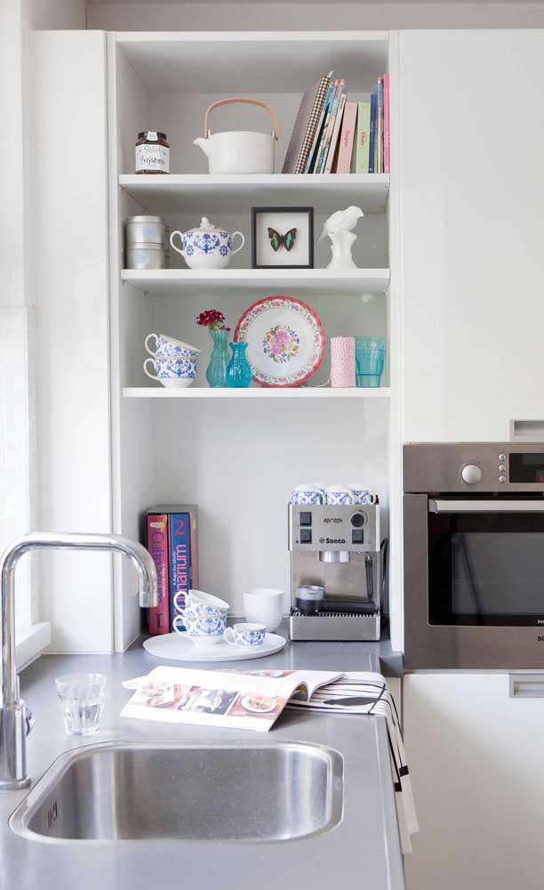 E se for fazer um armário de cozinha planejado já insira no projeto o espaço para o cantinho do café