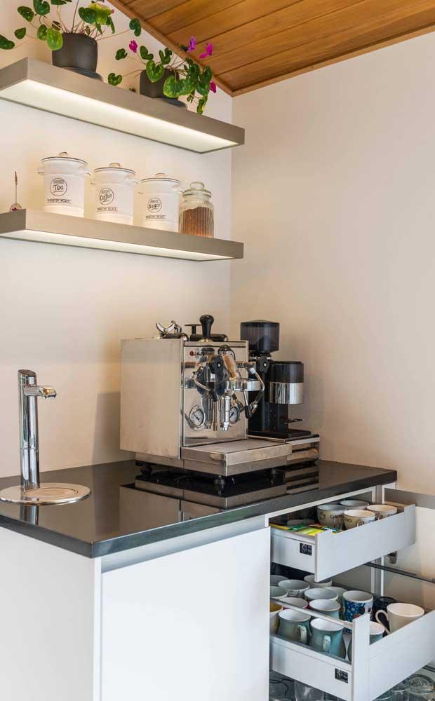 Cantinho do café mega elaborado, como uma cafeteria de verdade!