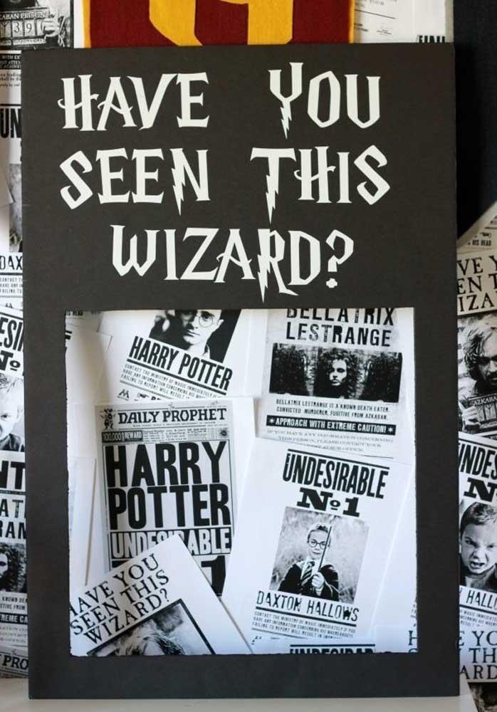 Que tal fazer painel festa Harry Potter inspirado em reportagens?