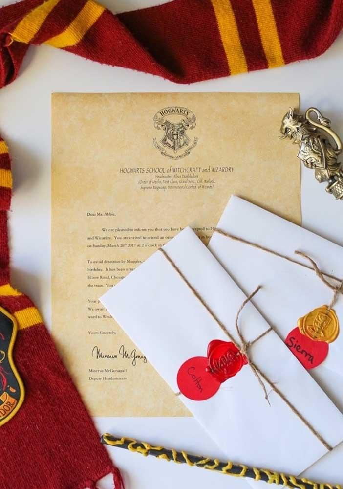 Que tal fazer o convite Harry Potter no estilo de carta?