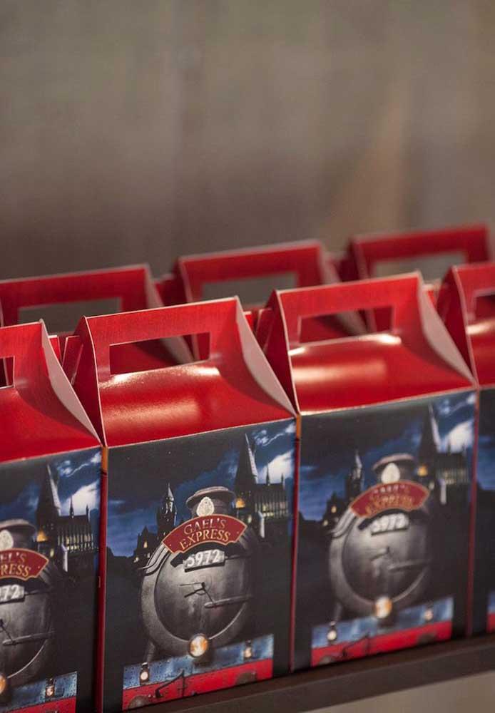 Se não tiver tempo, escolha caixinhas personalizadas para as lembrancinhas.