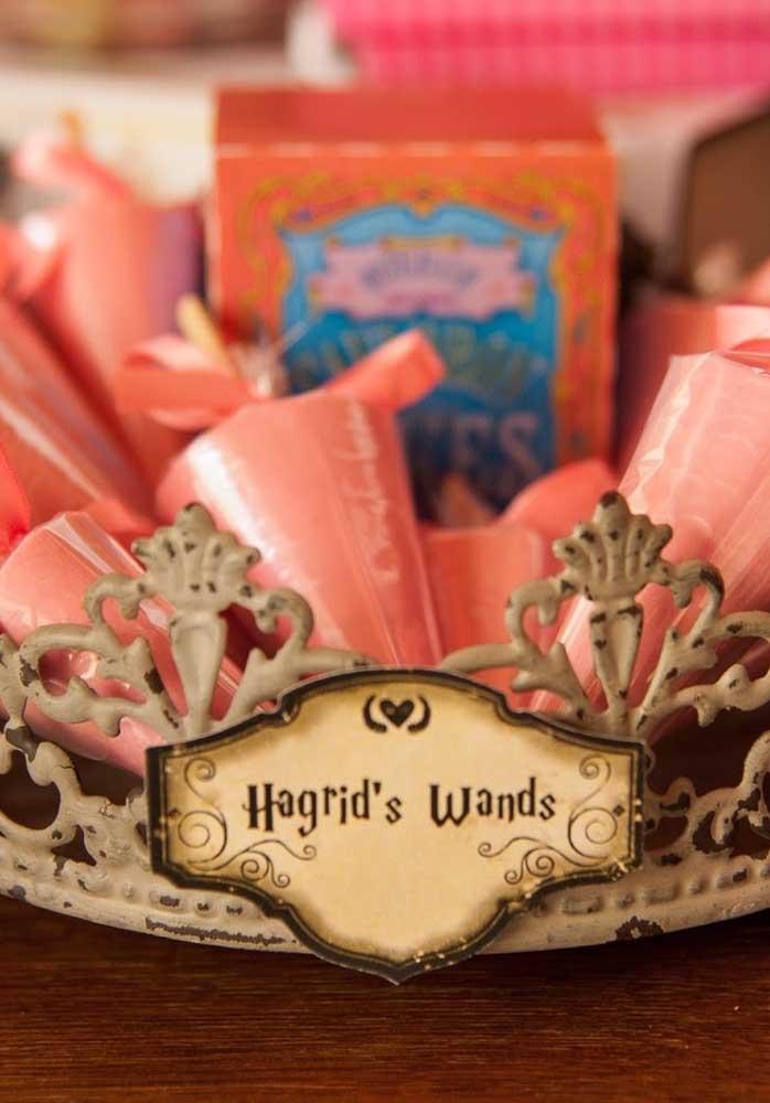 Quem disse que não dá para fazer uma decoração mais feminina com o tema Harry Potter?