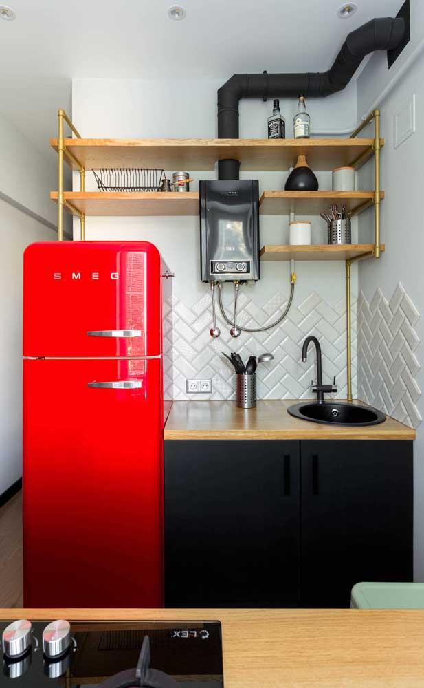 Tem espaço para uma geladeira vermelha na sua cozinha?