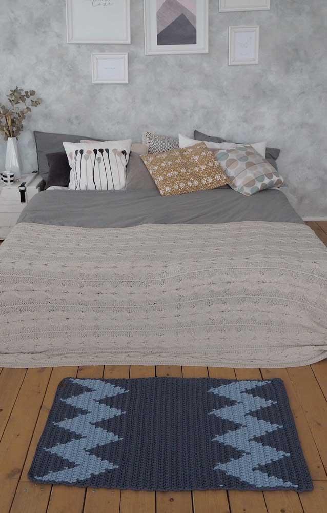 Tons de azul para o tapete de crochê retangular do quarto do casal