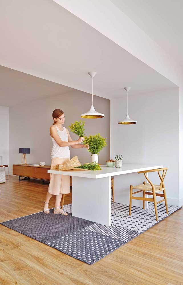 Tapete de crochê em tons de cinza para uma sala de jantar super moderna