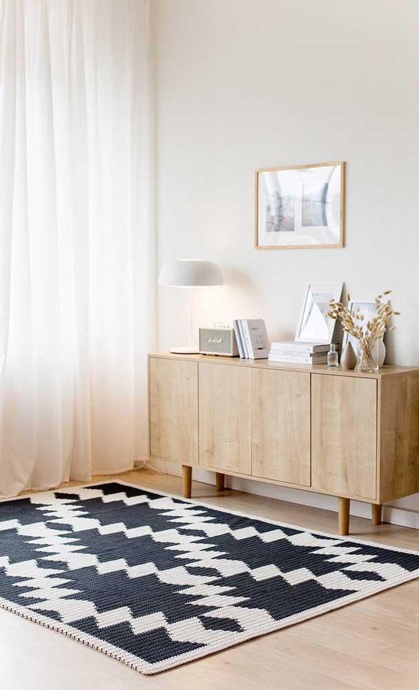 Um tapete de crochê retangular em preto e branco para te fazer sonhar