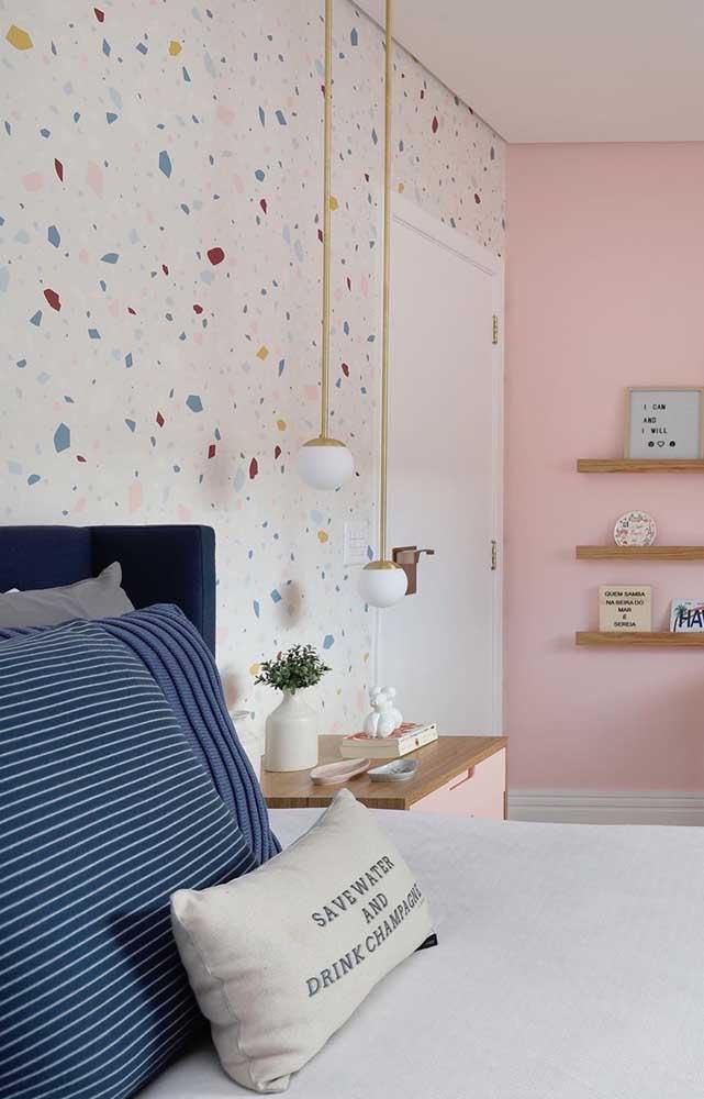 Pendente pequeno e delicado para combinar com a decor do quarto
