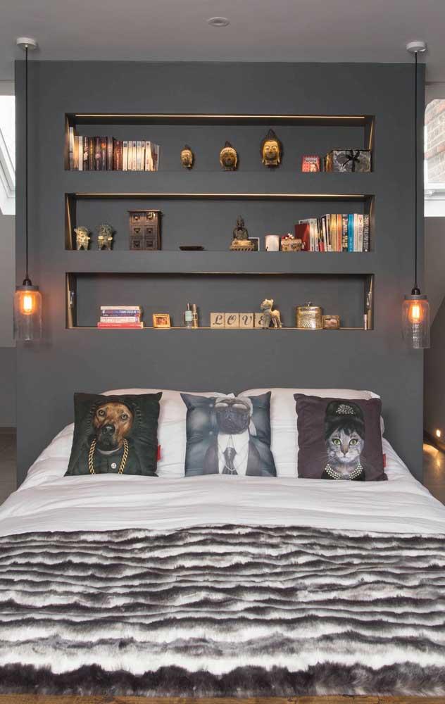 Para o quarto de decor contemporânea, o pendente com lâmpada de carbono é perfeito