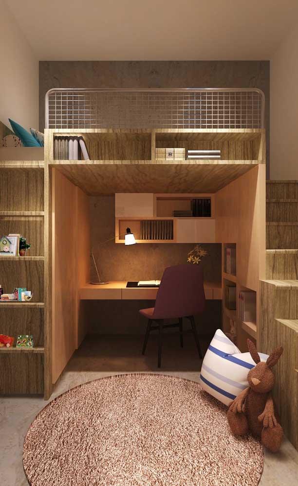 Nesse outro quarto, a mesa de estudo foi colocada em um local bem tranquilo e longe de distrações