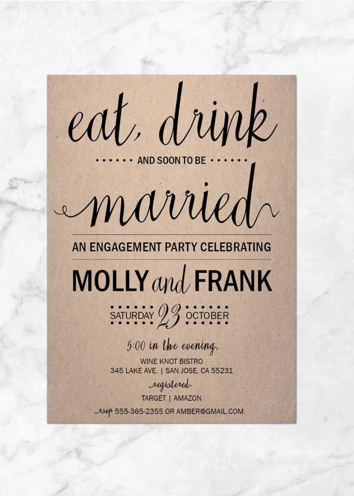 Seguindo na linha mais rústica, faça um convite com papel reciclado para combinar com o estilo da festa de noivado.